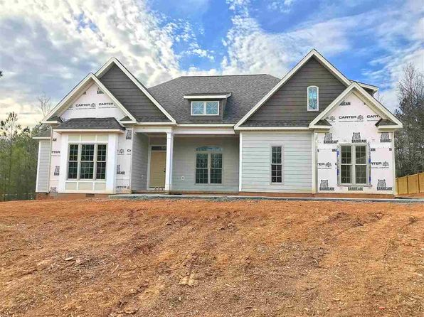 4 bed 4 bath Single Family at 331 ROY HALL WAY CAMPOBELLO, SC, 29322 is for sale at 323k - 1 of 7