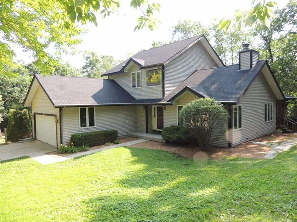 3 bed 3 bath Single Family at 117 Woody Way Oakwood Hills, IL, 60013 is for sale at 240k - 1 of 21