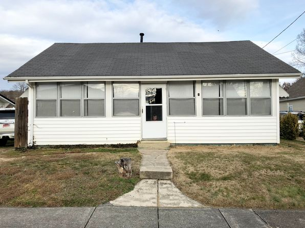 2 bed 1 bath Single Family at 1007 E 3rd North St Morristown, TN, 37814 is for sale at 50k - 1 of 11
