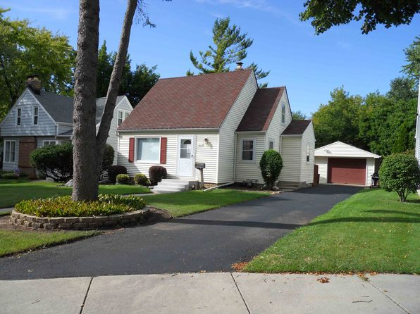 3 bed 2 bath Single Family at 10532 W Everett Cir Milwaukee, WI, 53214 is for sale at 160k - 1 of 24