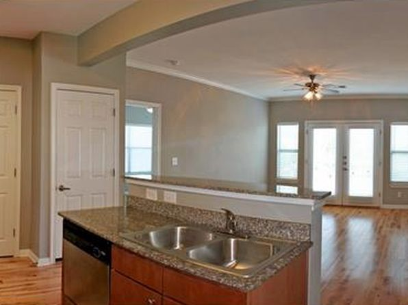 2 bed 2 bath Condo at 2502 Leon St Austin, TX, 78705 is for sale at 340k - 1 of 5