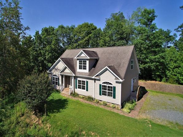 4 bed 3 bath Single Family at 205 Three Sons Ln Whittier, NC, 28789 is for sale at 275k - 1 of 13