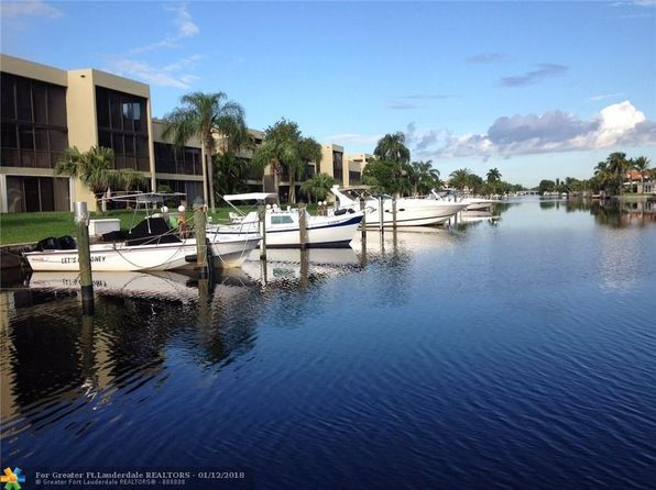 2 bed 3 bath Townhouse at 1100 SE 5th Ct Pompano Beach, FL, 33060 is for sale at 399k - 1 of 54