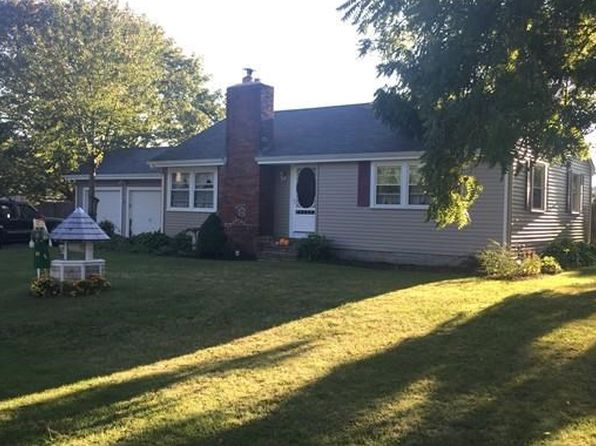 3 bed 1 bath Single Family at 308 New Boston Rd Fairhaven, MA, 02719 is for sale at 285k - 1 of 11