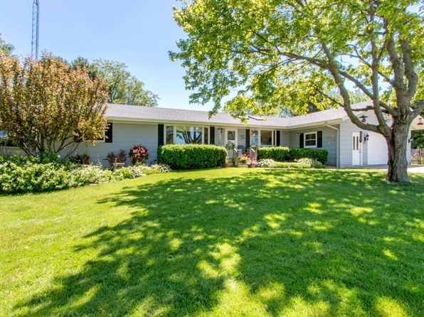 3 bed 3 bath Single Family at N1552 Hillside Rd Lake Geneva, WI, 53147 is for sale at 250k - 1 of 21