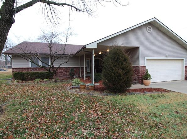3 bed 2 bath Single Family at 1913 E 35th St Joplin, MO, 64804 is for sale at 136k - 1 of 13