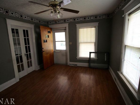2 bed 1 bath Single Family at 1414 W Mulberry St Bloomington, IL, 61701 is for sale at 20k - 1 of 4