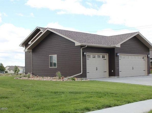 4 bed 3 bath Single Family at 1100 Oak Dr Watertown, SD, 57201 is for sale at 286k - 1 of 29