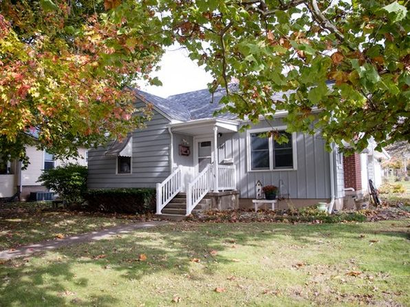 2 bed 2 bath Single Family at 314 S Sycamore St Genoa, IL, 60135 is for sale at 125k - 1 of 29