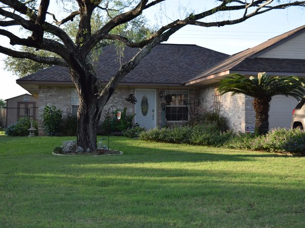 3 bed 2 bath Single Family at 101 Northcrest Floresville, TX, 78114 is for sale at 209k - 1 of 20