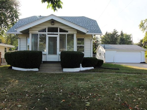 2 bed 1 bath Single Family at 6318 60th Ave Kenosha, WI, 53142 is for sale at 140k - 1 of 12
