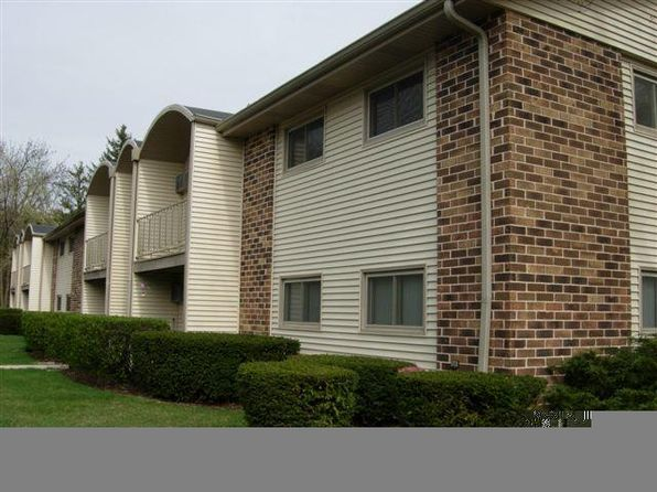 2 bed 2 bath Condo at 3921 W County Line Rd Milwaukee, WI, 53209 is for sale at 70k - google static map