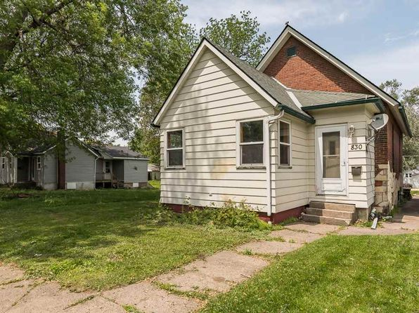 2 bed 1 bath Single Family at 830 11th Ave S Clinton, IA, 52732 is for sale at 35k - 1 of 12