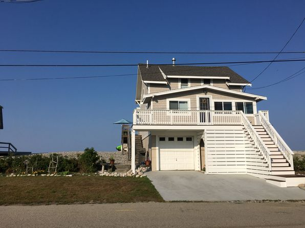 4 bed 2 bath Single Family at 120 Oceanside Dr Scituate, MA, 02066 is for sale at 750k - 1 of 7