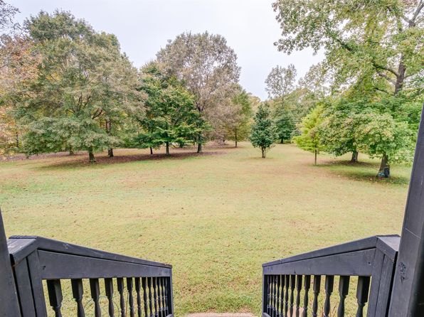 3 bed 4 bath Single Family at 1074 E Beaverdam Rd Centerville, TN, 37033 is for sale at 275k - 1 of 30