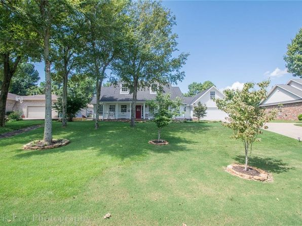 3 bed 3 bath Single Family at 2613 S College Dr Fayetteville, AR, 72701 is for sale at 290k - 1 of 30