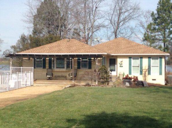 3 bed 2 bath Single Family at 407 SUN BEAU CIR URBANNA, VA, 23175 is for sale at 450k - 1 of 13