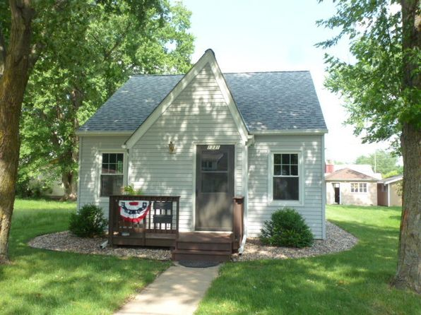 2 bed 1 bath Single Family at 1331 2nd Ave N Windom, MN, 56101 is for sale at 65k - 1 of 16