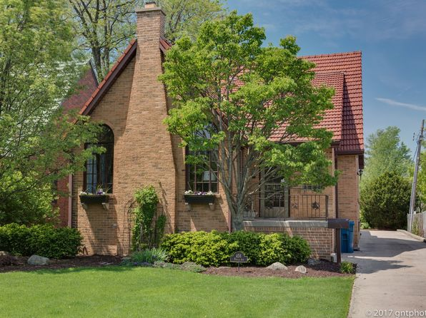 5 bed 4 bath Single Family at 456 S Poplar Ave Elmhurst, IL, 60126 is for sale at 700k - 1 of 42