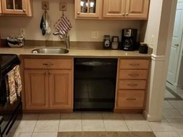 2 bed 1 bath Condo at 7 Birchwood Pt Amesbury, MA, 01913 is for sale at 152k - 1 of 15