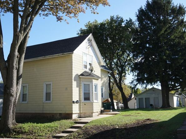 2 bed 1 bath Multi Family at 123 E Cleveland St Port Washington, WI, 53074 is for sale at 145k - 1 of 4