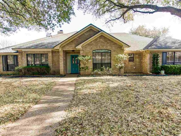 4 bed 3 bath Single Family at 9610 Old Farm Rd Waco, TX, 76712 is for sale at 305k - 1 of 28