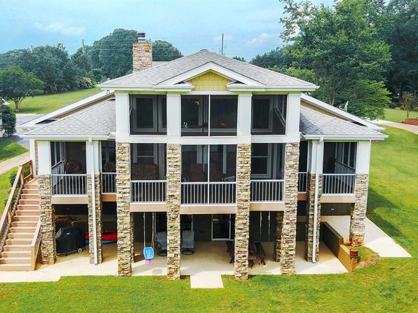 4 bed 3 bath Single Family at 1145 Cherokee Rd Townville, SC, 29689 is for sale at 649k - 1 of 34