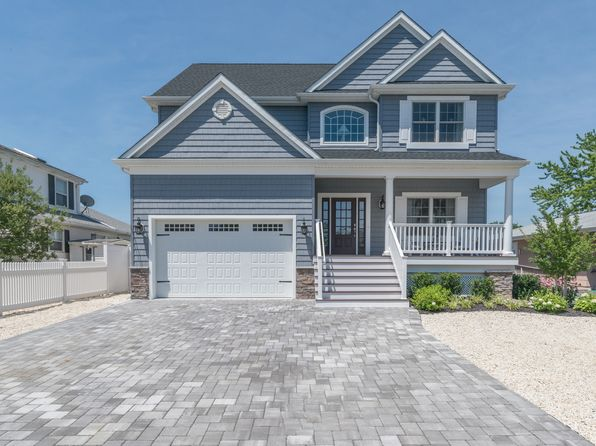 4 bed 3 bath Single Family at 124 Royal Dr Brick, NJ, 08723 is for sale at 729k - 1 of 36