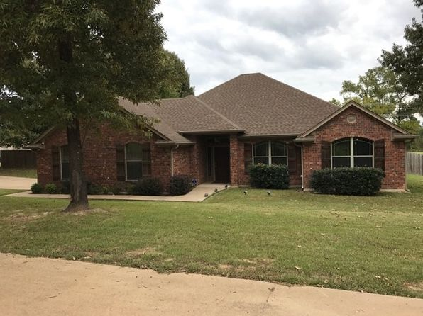 3 bed 2 bath Single Family at 101 Fort Crawford Dr Hallsville, TX, 75650 is for sale at 210k - 1 of 18