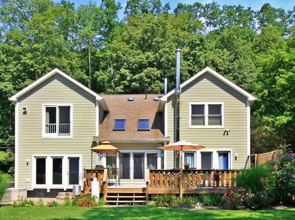 3 bed 2 bath Single Family at 644 Peekskill Hollow Rd Putnam Valley, NY, 10579 is for sale at 450k - 1 of 20