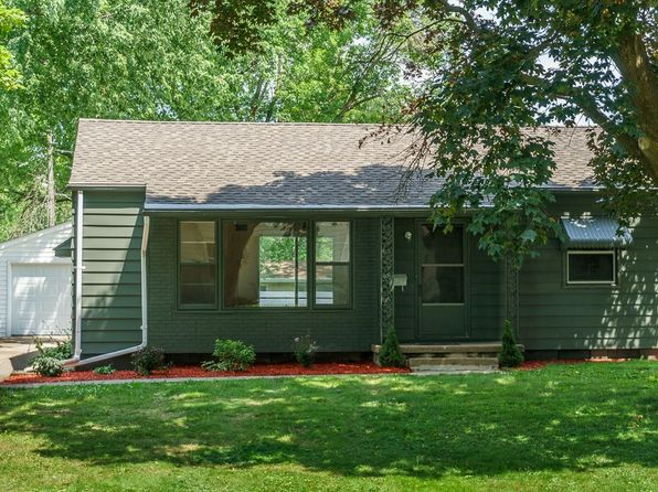 2 bed 1 bath Single Family at 1044 20th St SE Cedar Rapids, IA, 52403 is for sale at 115k - 1 of 2