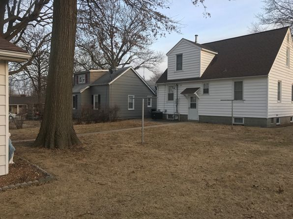 3 bed 1 bath Single Family at 1417 7th St Highland, IL, 62249 is for sale at 100k - 1 of 24