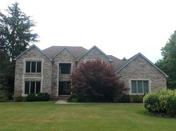 4 bed 3 bath Single Family at 825 Heather Lake Dr Clarkston, MI, 48348 is for sale at 405k - 1 of 19