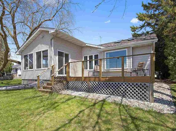 2 bed 2 bath Single Family at 520 N Water St Algoma, WI, 54201 is for sale at 125k - 1 of 16