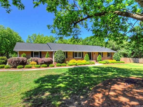 3 bed 2 bath Single Family at 100 Fairway Dr Fort Mill, SC, 29715 is for sale at 345k - 1 of 24