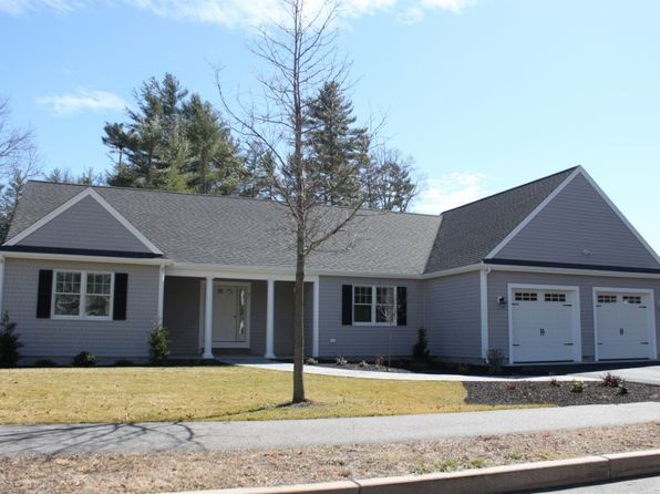 3 bed 2.5 bath Single Family at 2 Donna Rd West Wareham, MA, 02576 is for sale at 430k - 1 of 2