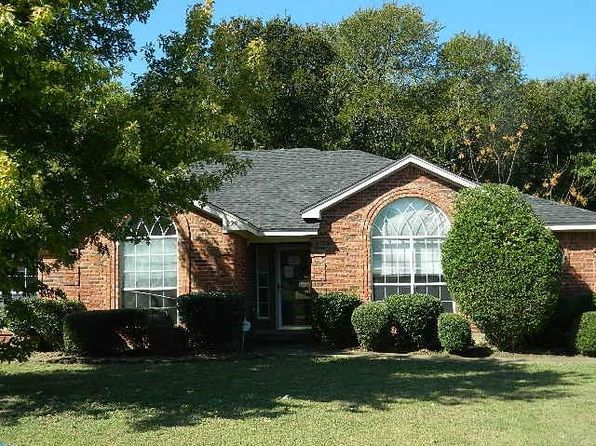 3 bed 2 bath Single Family at 229 Avalon Dr Desoto, TX, 75115 is for sale at 143k - 1 of 18