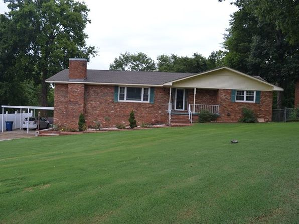 4 bed 3 bath Single Family at 730 E Lakeside Dr Florence, AL, 35630 is for sale at 179k - 1 of 24