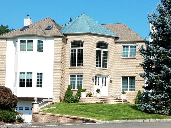 3 bed 3 bath Single Family at 25 Brookside Ln Harrison, NY, 10528 is for sale at 1.07m - 1 of 23