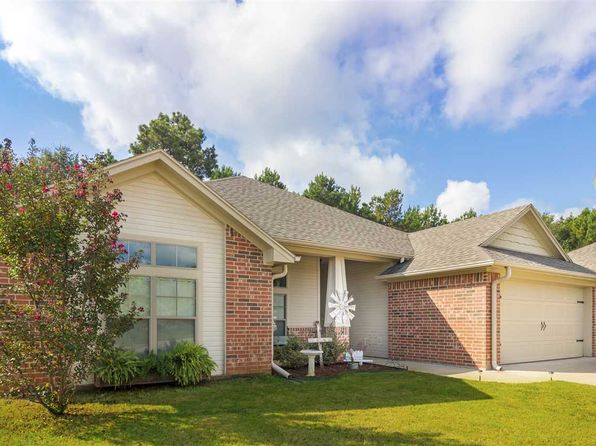 3 bed 2 bath Single Family at 304 Bois D Arc St Hallsville, TX, 75650 is for sale at 195k - 1 of 23