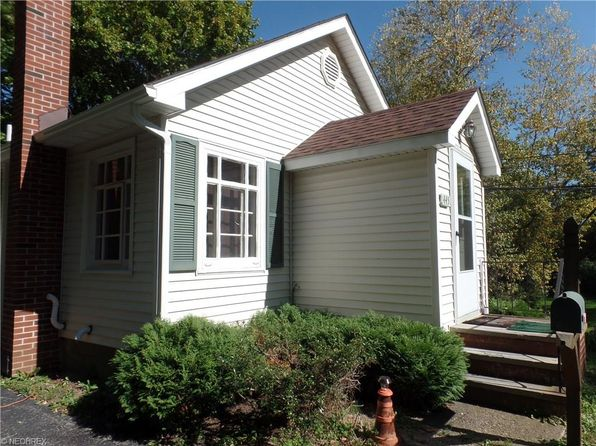 2 bed 1 bath Single Family at 445 N Hambden St Chardon, OH, 44024 is for sale at 88k - 1 of 25