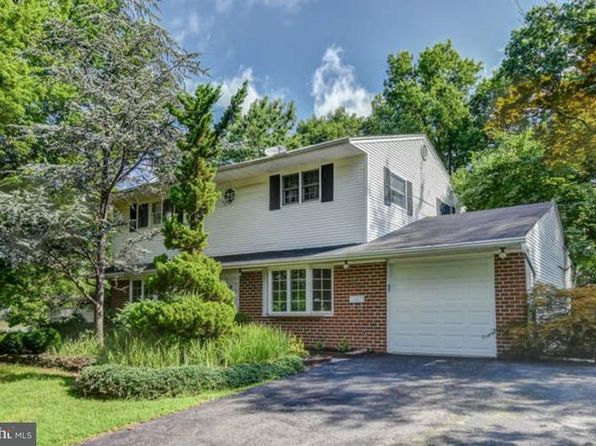 4 bed 3 bath Single Family at 96 Sand Hills Rd Kendall Park, NJ, 08824 is for sale at 375k - 1 of 25