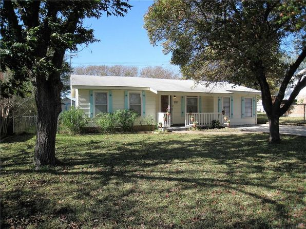 2 bed 2 bath Single Family at 253 County Road 1743 Clifton, TX, 76634 is for sale at 85k - 1 of 23