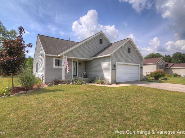 4 bed 2 bath Single Family at 11029 Meadow Wood Cir Greenville, MI, 48838 is for sale at 165k - 1 of 27