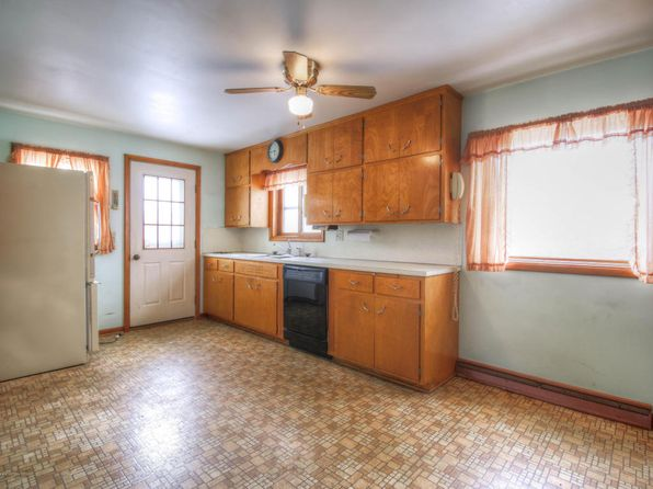 4 bed 1 bath Single Family at 13877 W French Rd Pewamo, MI, 48873 is for sale at 350k - 1 of 20