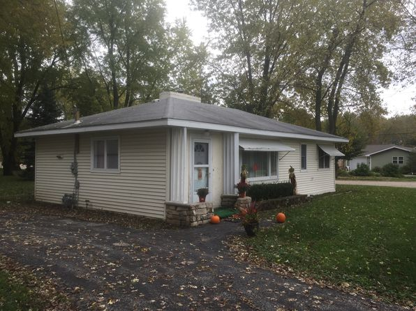2 bed 1 bath Single Family at 38796 N Il Route 59 Lake Villa, IL, 60046 is for sale at 100k - 1 of 7