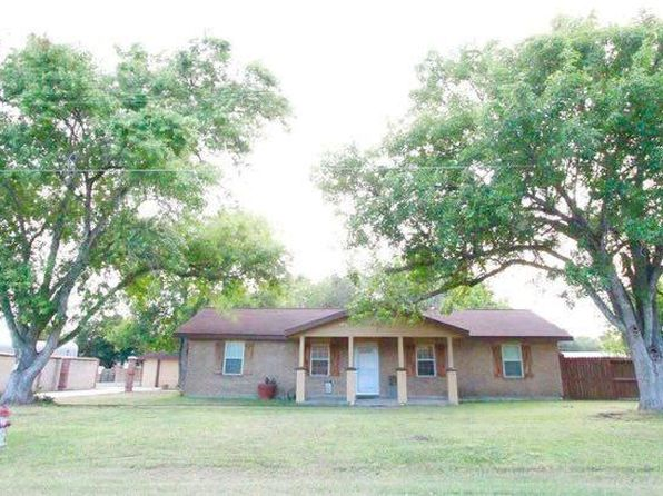 3 bed 3 bath Single Family at 203 N West St Yorktown, TX, 78164 is for sale at 200k - 1 of 28