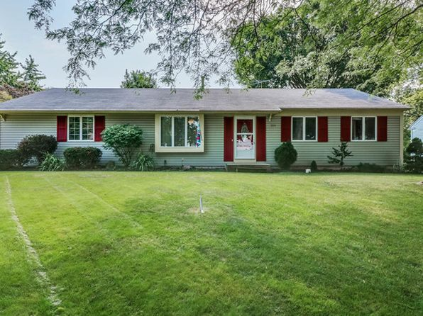 4 bed 2 bath Single Family at 324 Boulder Hill Pass Oswego, IL, 60543 is for sale at 210k - 1 of 18