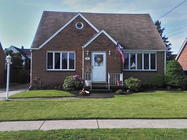 3 bed 3 bath Single Family at 37 Saint Johns Pl Lackawanna, NY, 14218 is for sale at 122k - 1 of 34