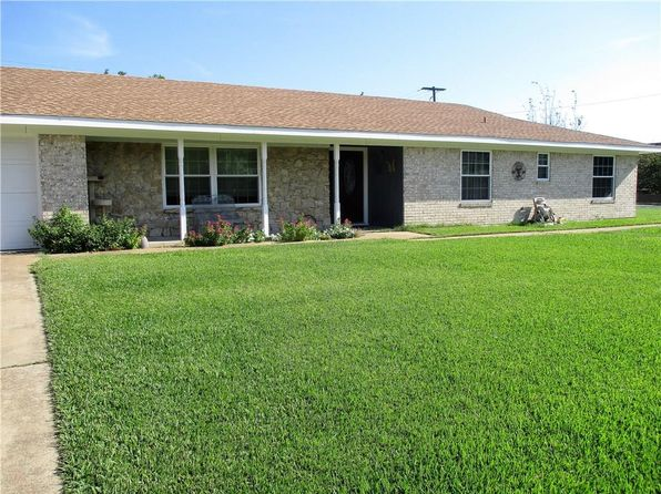 3 bed 2 bath Single Family at 1211 E Boynton St Hamilton, TX, 76531 is for sale at 160k - 1 of 23